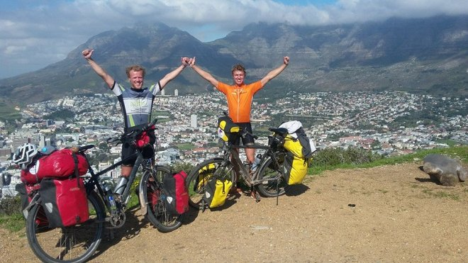 Jilt & Teun finish on Signal Hill in Cape Town