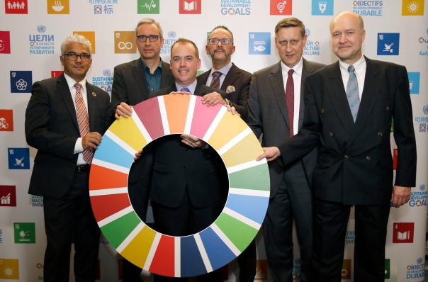 Mr. Ashok-Alexander Sridharan, Lord Mayor of Bonn / Mr. Jürgen Hein, Head of Department for Europe, International Affairs and the Media in the State Chanceller, state of North Rhine-Westphalia / Mr. Mitchell Toomey, Global Director, UN SDG Action Campaign / Mr. Boulharouf Rajeb, Chief of Staff, United Nations Convention to Combat Desertification (UNCCD) / Dr. Cyrill Nunn, Director for Human Rights, International Development and Social Affairs, the Federal Foreign Office / Mr. Niels Breyer, Deputy Director, 2030 Agenda for Sustainable Development, the Federal Ministry for Economic Cooperation and Development. photothek / Ina Fassbender